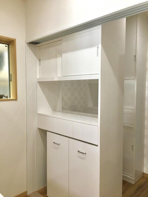 造作家具食器棚